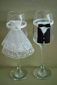Bride And Groom Glasses, Wedding Wine Glasses, Wedding Bottles, Wedding Cups, Wedding Toasts, Champagne Glasses, Bride Groom, Decorated Wine Glasses, Painted Wine Glasses