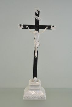 century ebonised wood and porcelain statue of Christ from Boch Luxembourg Religious Symbols, Crucifix, Luxembourg, Crosses, Jesus Christ, Christianity, 19th Century, Novels, Porcelain