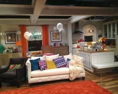 The Lovely Side: Get the Look: Mindy's Apartment | On Screen Decor: The Mindy Project