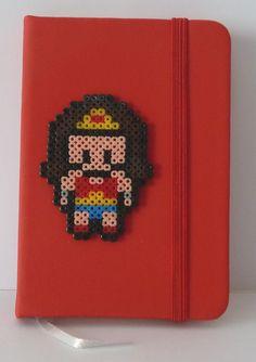 Pixel Art – Libreta Wonderwoman |