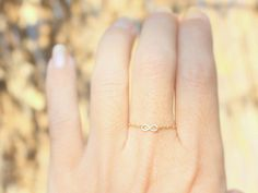Winzige Infinity Ring  14 k gold gefüllt zarte von JulJewelry
