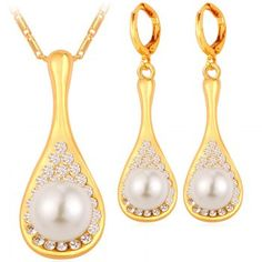 SHARE & Get it FREE | A Suit of Gorgeous Faux Pearl Water Drop Necklace and Earrings For WomenFor Fashion Lovers only:80,000+ Items·FREE SHIPPING Join Dresslily: Get YOUR $50 NOW!