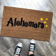 Do you know the secret code? Our Harry Potter Themed Alohomora Doormat is the perfect way to create a magical and beautiful entry way! Our welcome mats are hand-painted in the USA. Click through to view more styles + options! Harry Potter Halloween, Natal Do Harry Potter, Décoration Harry Potter, Classe Harry Potter, Harry Potter Bedroom, Halloween Front Doors, Halloween Door Decorations, Weathered Paint, Newlywed Gifts