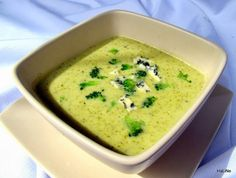 Nejedlé recepty: Brokolicová polévka I. Weight Loss Smoothies, Cheeseburger Chowder, Soup Recipes, Ham, Food And Drink, Vegetarian, Treats, Dinner, Soups