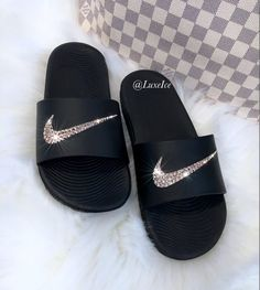 This Swarovski Nike KAWA Slides Black Flip Flops customized with is just one of the custom, handmade pieces you'll find in our sandals shops. Nike Flip Flops, Flip Flop Shoes, Black Flip Flops, Sneakers Mode, Cute Sneakers, Sneakers Fashion, Black Nike Shoes, Nike Air Shoes, Nike Footwear