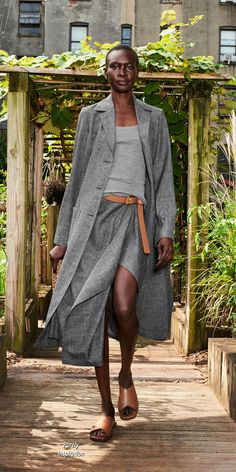 Fashion Outfits, Womens Fashion, Fashion Trends, Spring Looks, Spring Summer, Michael Kors Collection, Grey Sweater, Minimalist Fashion, Spring Outfits