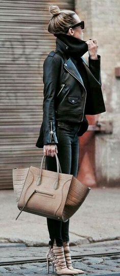 Edgy style Turtle neck sweater, leather coat and heels Winter Outfits For Work, Fall Outfits, Casual Outfits, Black Outfits, Clubbing Outfits, Outfit Winter, Dress Casual, Looks Street Style, Looks Style