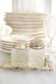 these salt and pepper shakers would make me smile everytime I looked at them