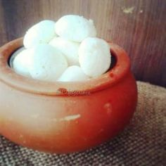 Rasgulla - cottage cheese balls in sweet syrup - yummm !!!