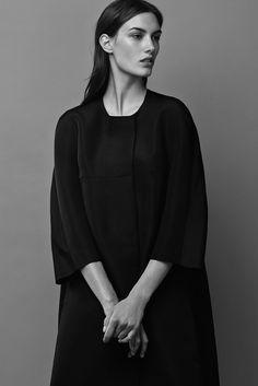 black longdress: minimalistic clothing |Fashion + Photography| Design: Narcisco Rodriquez |