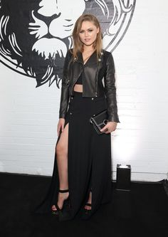 Pin for Later: Celebrities Were Sitting Pretty in the London Fashion Week Front Row Kristina Bazan Kristina Bazan showed her perfectly toned leg at the Versus Versace show.