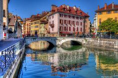 sailaway-fromthesafeharbor:    Annecy, France (via Annecy | Flickr - Photo Sharing!)