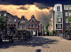 Summer afternoon   Jordaan neighborhood, Amsterdam, Netherlands© Violet