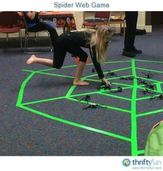 Halloween Spider Web Toss Game This is a guide about spider web game. This easy to set up Halloween kids' party game can have the rules tailored for different age groups. Halloween Kids Party, Halloween Class Party, Halloween Karneval, Halloween Birthday, Halloween Activities, Holidays Halloween, Kindergarten Halloween Party, Halloween Festival, Themed Birthday Parties