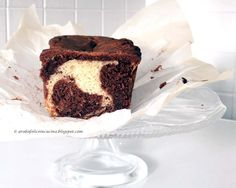 BLACK AND WHITE CHOCOLATE MARBLE LOAF CAKE