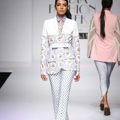 #ArchanaRao #AmazonIndiafashionweek2015-16 #Runwayfashion #Indianfashion