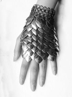 Metal/ fish scale glove