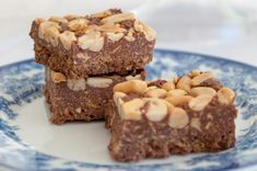 An easy no-bake traybake. Peanut Crunch has a chocolate, peanut butter and cornflake base topped with crunchy salted peanuts. Tray Bake Recipes, No Bake Desserts, Baking Recipes, Cake Recipes, Chocolate Chip Cookie Cups, Digestive Biscuits, Retro Recipes, Sweet And Salty, Sweet Sweet