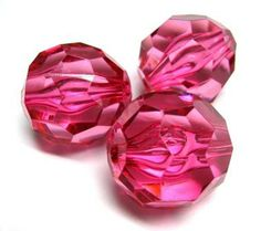 Pink faceted 28 x 28mm beads. These beads are perfect for creating larger brightly coloured necklaces #beads #acrylicbeads