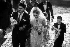 Mirela si Dragos | Fotograf nunta, Fotograf botez, Fotograf profesionist - Foto Dumbrava Romantic, Wedding Dresses, Fashion, Bride Dresses, Moda, Bridal Gowns, Fashion Styles, Weeding Dresses, Wedding Dressses
