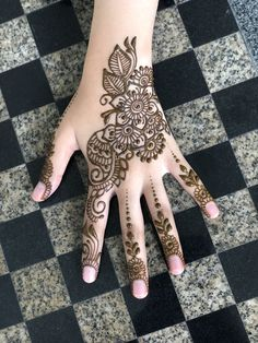 #hennabymiraalwi Inspired by adornedbyameerah