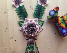 Enorme flor MARIA hermoso collar hecho a mano por artesanos
