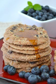 Raw blueberry pancakes - so going to make these!