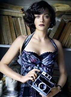 Marion Cotillard by Mario Testino, July 2010 - La que hizo una maravillosa Edith Piaf !!!