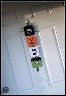 Obsessively Crafting: Halloween Door Hanger. Just made this using cardboard instead of coasters and changed a few things. Turned out great!