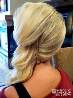 Diy : comb curled hair onto side diagonally part take small hair shaft form upper part braid it , wrap around the lower part and secure with bobby pin # hair braid bridesmaid wedding hair Side Swept Updo, Side Swept Hairstyles, Curled Hairstyles, Pretty Hairstyles, Wedding Hairstyles, Love Hair, Gorgeous Hair, Hair Upstyles, Hair Dos