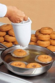 DONUTS IN MINUTES: Lightweight,easy to use and non-stick coated,creates a perfect circle for professional looking pancakes and doughnuts Make doughnuts pancakes with this dispenser,get perfect round doughnuts easily and quickly. It's so simple, even your kids can use it #ad #bakeware Donut Recipes, Baking Recipes, Dessert Recipes, Baking Desserts, Cake Baking, Salad Recipes, Delicious Donuts, Yummy Food, Waffle
