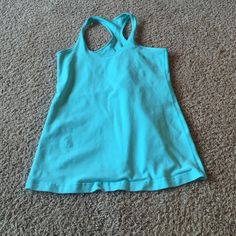Women's Lululemon Tank Top Size 10, looks great! Willing to drop price☺️ lululemon athletica Tops Tank Tops