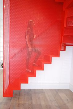 Funky stairs for a fiery house : desire to inspire
