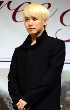 Super Junior's Sungmin, who recently passed the auditions for the Seoul Police Public Relations Unit, stated that he is waiting for acceptance to the unit. http://www.kpopstarz.com/tags/super-junior