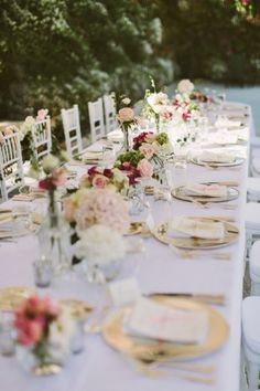 Pretty wedding table: http://www.stylemepretty.com/2015/02/11/elegant-pink-gold-malta-wedding/ | Photography: Paula O'Hara - http://www.paulaohara.com/