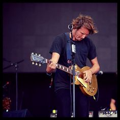 One of Ben Howard's newly introduced tracks 'Forget where we where' performed at Lollapalooza 2013!!