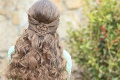 Double Celtic Knot  St Patrick's Day Hairstyles#stpatricksday  Hairstyles #hairstyles #CGHCelticKnots #hair
