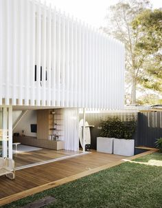 Workers House by Clayton Orszaczky Architects - Sydney Design Gallery - The Local Project Exterior Design, Interior And Exterior, Architects Sydney, Casa Patio, Modern Cottage, Facade House, House Facades, Cabana, Interior Architecture