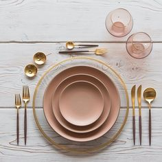 Our Halo Chargers in 24k Gold + Custom Heath Ceramics in Sunrise + Goa Flatware in 24k Gold/Wood finish + Bella 24k Gold Rimmed Stemless Glassware in Blush + 14k Gold Salt Cellars + Tiny Gold Spoons #cdpdesignpresentation #