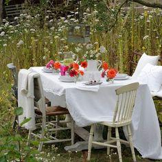 Elegant garden dining area | Country garden ideas | Country Homes & Interiors | Housetohome