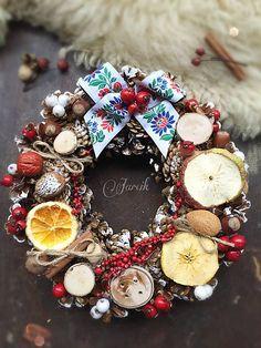 jarcik / Venček FOLK Christmas Wreaths, Folk, Holiday Decor, Wedding, Home Decor, Christmas Garlands, Valentines Day Weddings, Popular, Forks