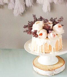 A floral bundt cake. Cupcakes, Cake Cookies, Cupcake Cakes, Gorgeous Cakes, Pretty Cakes, Candybar Wedding, Wedding Cakes, Bolo Cake, Do It Yourself Wedding
