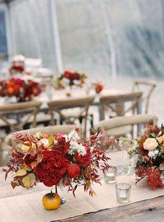 Autumn wedding colours palette : Brown Burnt orange burgundy navy blue wedding - Autumn wedding table setting ideas