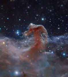 Kurczak a utilisé un logiciel pour donner à des images de l'espace prises par le télescope Hubble un effet de flou du à la profondeur de champ réduite si ces astres n'étaient pas si loin. [Merci à Clarence]