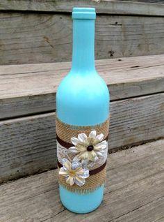 más y más manualidades: 15 ideas para decorar botellas usando yute e hilo rústico.