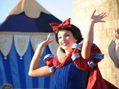 <3 Dream Along With Mickey <3   (Former Disney Princess...Life as a Disney Park Princess)