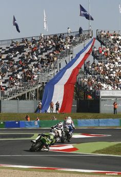 BRITISH FANS UNITE IN THEIR HOPE FOR GLORY AT MAGNY-COURS