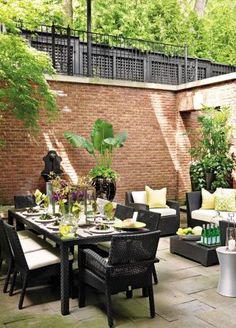 Traditional Outdoor Space by Powell & Bonnell in Toronto, Canada