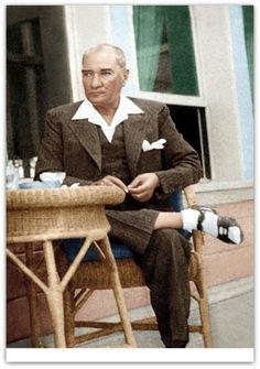 Atatürk renkli