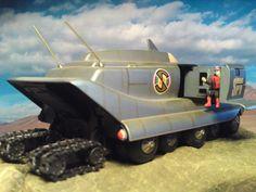 Captain Scarlet SPV - Spectrum Persuit Vehicle with Tracks… Retro Toys, Vintage Toys, Scarlet, Enterprise Model, Sci Fi Tv Shows, Sci Fi Tv Series, Thunderbirds Are Go, Classic Sci Fi, Cult